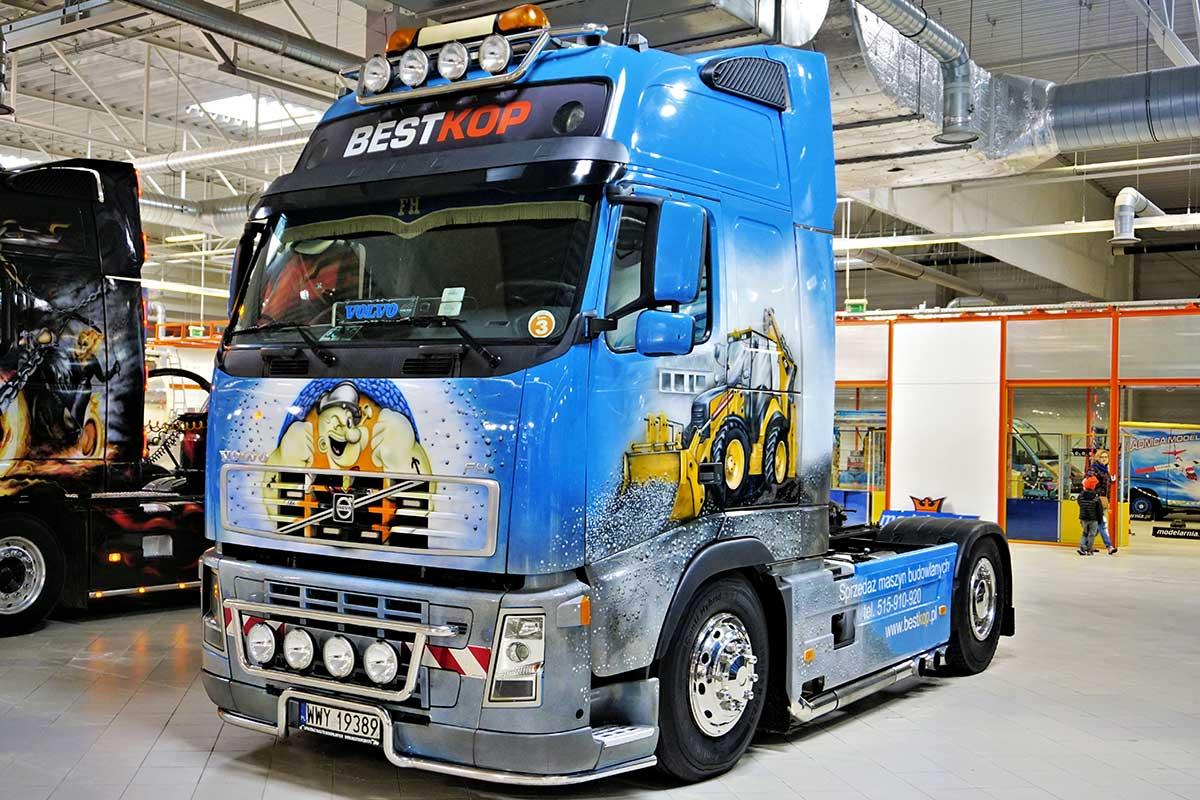 Papaj i koparki - Warsaw Truck Show