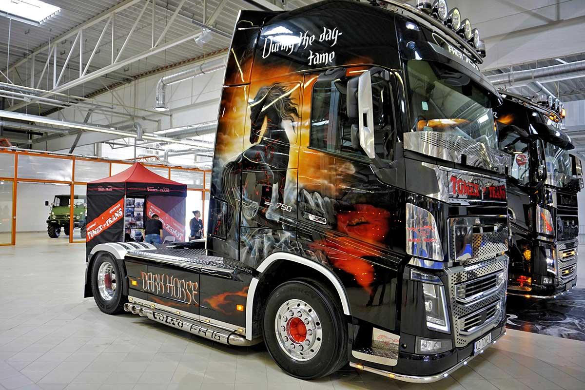 Dark Horse - Warsaw Truck Show
