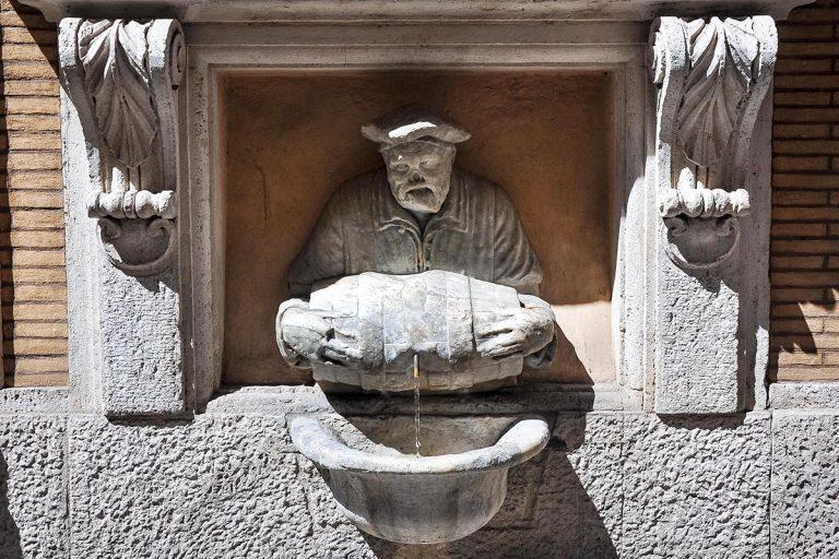 Fontana del Facchino - Fontanna Portera