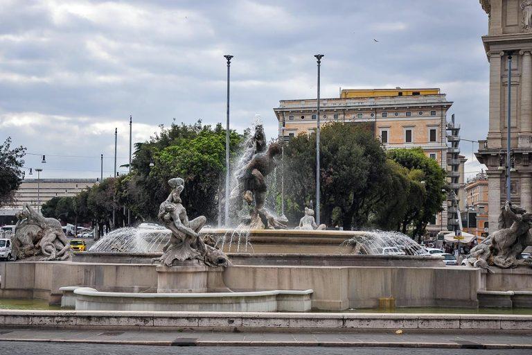 Fontana delle Naiadi - Fontanna Najad