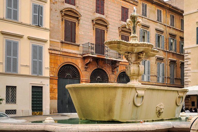 Fontana di Piazza Farnese - Fontanna na Piazza Farnese